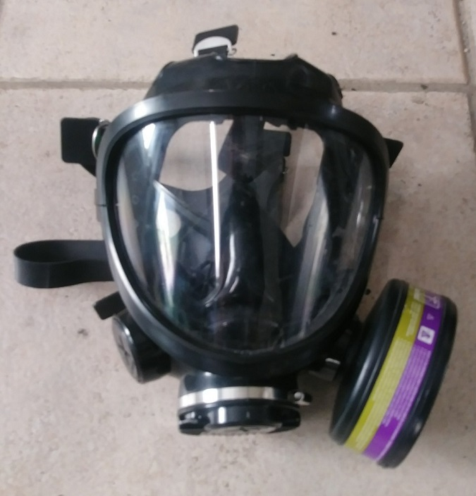 3M 7800S SERIES GAS MASK USED LARGE with 2X Filter