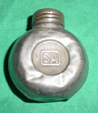 Oiler Finnish SA Marked Single Spout Metal DENTED